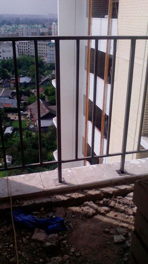 Забор сварной на балкон - процесс работы - фото №1